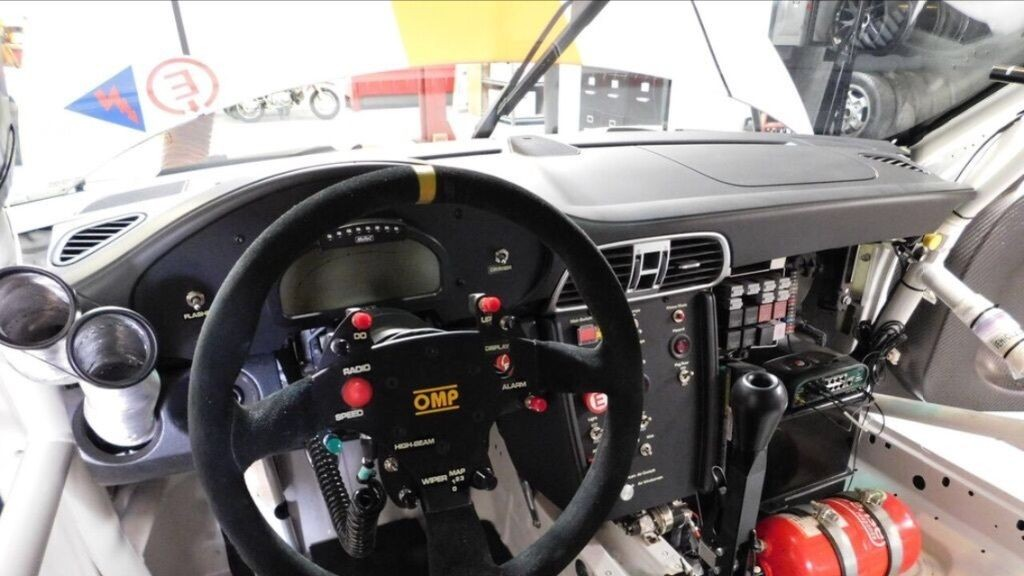 2011 Porsche 911 GT3R Factory FIA Racecar