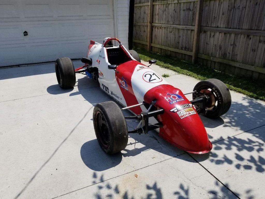 2004 Vector Formula First Race Car